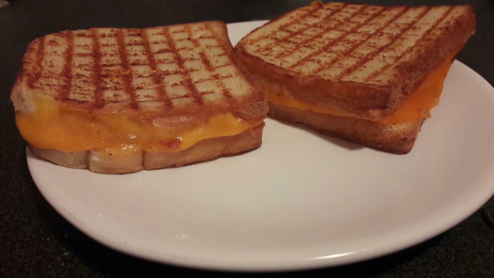Grilled cheese sandwich: un sandviș simplu în stil american